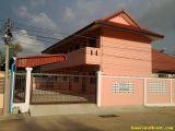 หอพักมณีสถาน (ตัวเมืองจังหวัดเพชรบุรี)