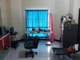 ห้องพักในทาวเฮ้าส์ หมู่บ้านเฉลิมพระเกียรติ เลขที่ 1/41 ต.บางศรีเมือง อ.เมือง จ.นนทบุรี